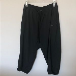 Nike dry fit Capri athletic pants